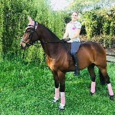 Rebekah says PureFlax's 100% Natural Linseed Oil For Horses has significantly improved her race horse's condition